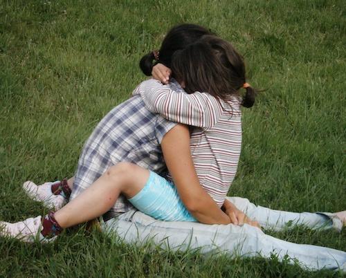 Сговор на майки променя съдби с любов и подкрепа